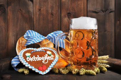 Bayerische Oktoberfestbreze mit Bier